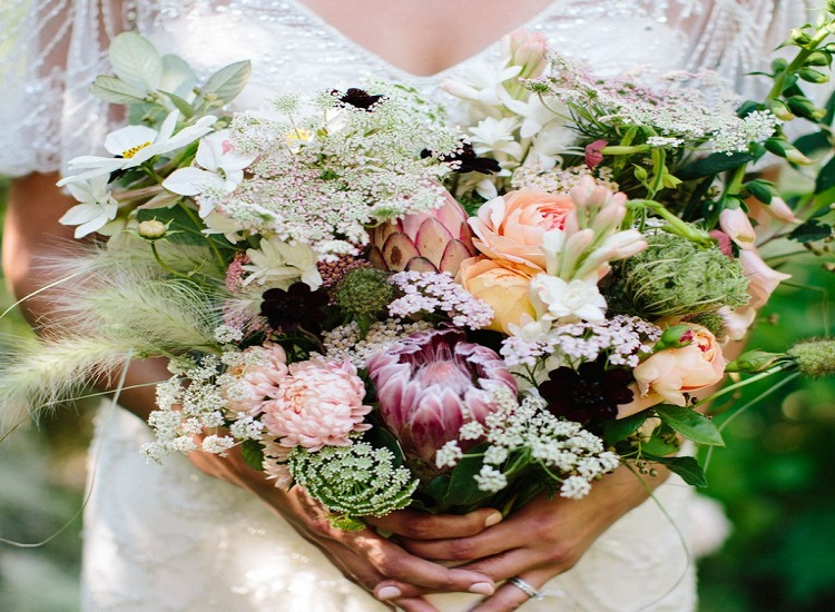 How To Choose Best Suitable Flowers For Your Mother Read For Answer