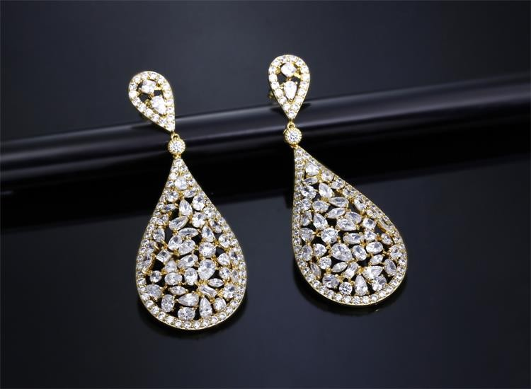 Shopping Learn About the Importance of Trendy Earrings for Women