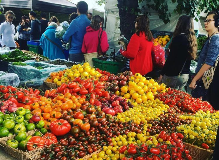 What It Really Means to Shop at a Healthy Market